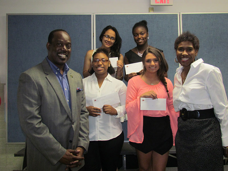 Community Awards Scholarships to Class of 2015